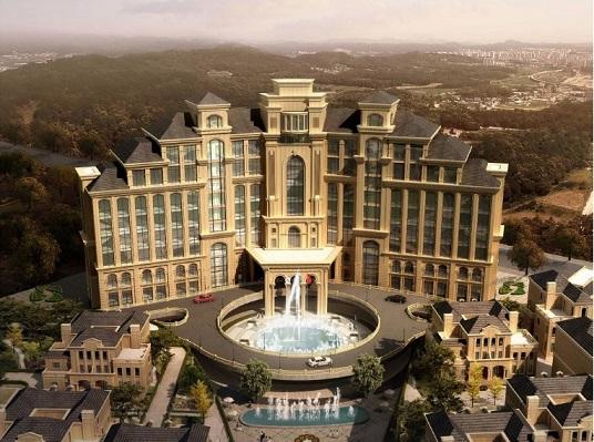 与三甲港海滨旅游度假区和临港滨海旅游度假区等一起,共同构成浦东的